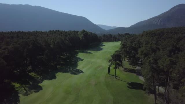 vidéos et rushes de view aerial of golf in france - golf
