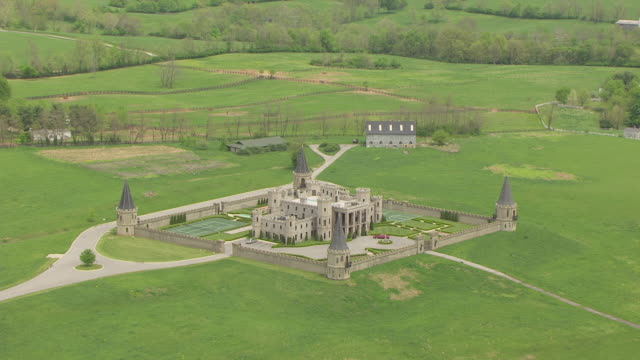 ws aerial view approaching martin castle / versailles, kentucky, united states - versailles stock videos and b-roll footage