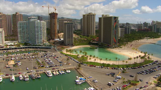 ws zi aerial view around docks near coastline of waikiki on island of oahu / honolulu, hawaii, united states - pacific islands stock videos & royalty-free footage