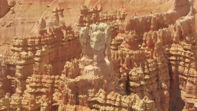 CU AERIAL DS View around hoodoos at Bryce canyon / Utah, United States