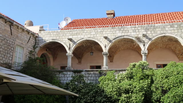 view fo the convent of saint claire from the walls, dubrovnik  - 女子修道院点の映像素材/bロール