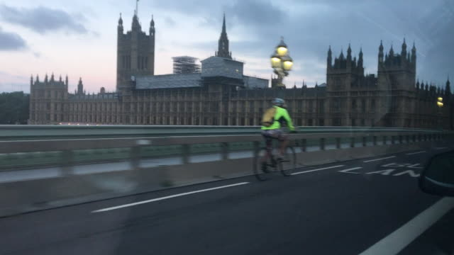 view from a car of a security barrier on westminster bridge after the london bridge terror attack - überfahren stock-videos und b-roll-filmmaterial
