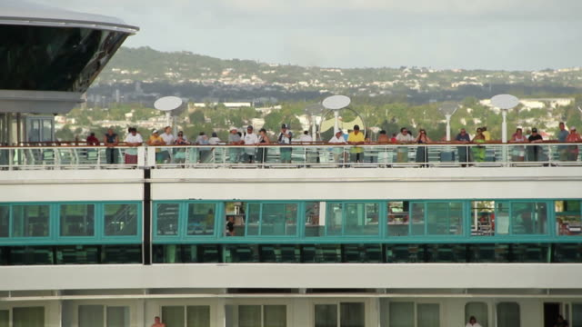 vídeos y material grabado en eventos de stock de view from a ship leaving the antigua harbor - pasajero