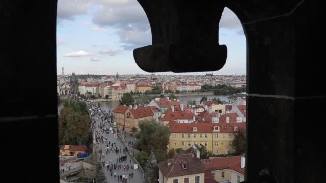 vídeos de stock, filmes e b-roll de view from charles bridge, prague, czech republic, europe - stare mesto