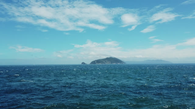view from ferry crossing from kyushu to shikoku - 船点の映像素材/bロール