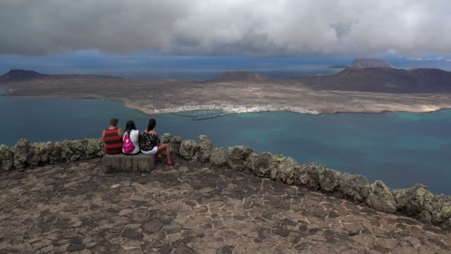 view from mirador del rio to la graciosa, lanzarote, canary islands, spain, atlantic, europe - atlantic islands stock videos & royalty-free footage