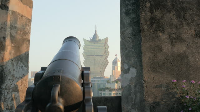 view from mount fortress, macau, china - 要塞点の映像素材/bロール