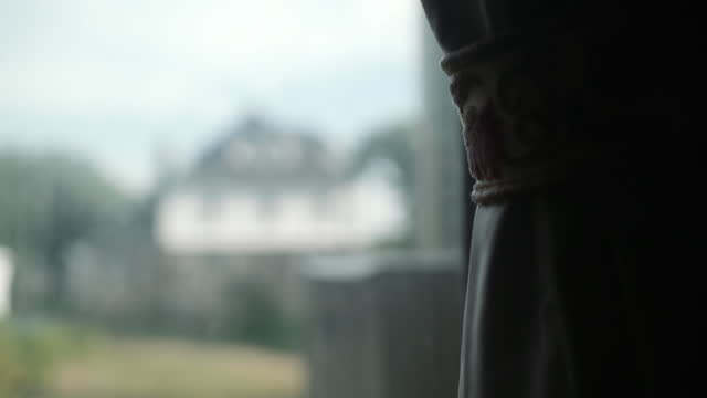 住宅からの眺め - カーテン止め点の映像素材/bロール