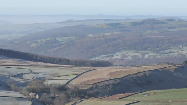 view from stanage edge, derbyshire, england, uk, europe - derbyshire stock-videos und b-roll-filmmaterial