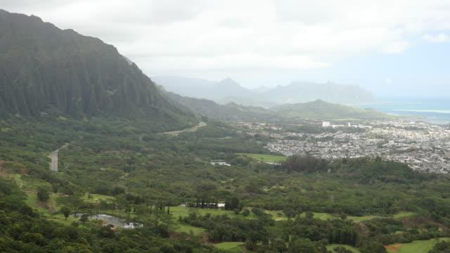 vídeos de stock, filmes e b-roll de vista do mirante nuuanu pali - ponto de observação