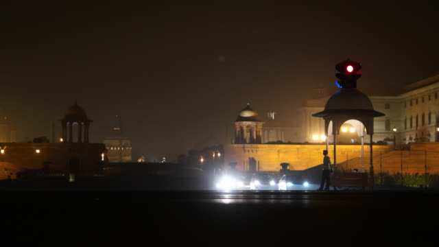view from the rajpath road, the power axis, leading to the rashtrapati bhawan or india's president's palace, new delhi - delhi stock videos & royalty-free footage