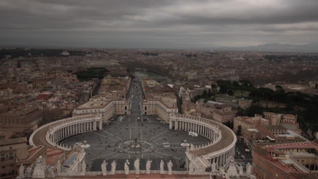 view from the roof of st. peter's basilica - apostel bildbanksvideor och videomaterial från bakom kulisserna