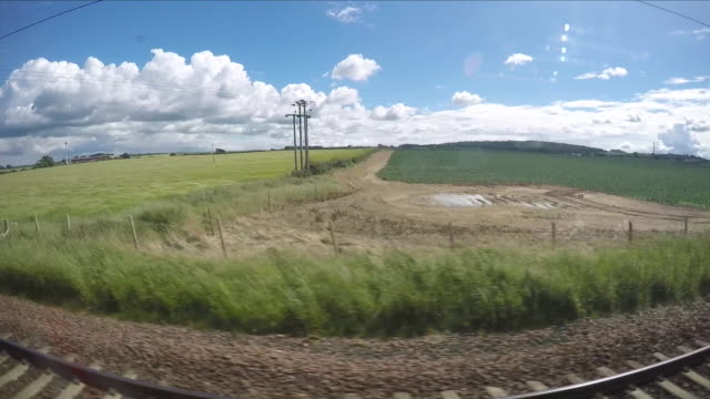 view from train window - zugperspektive stock-videos und b-roll-filmmaterial