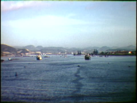 ws view into land of harbor panama city panama - 中央アメリカ点の映像素材/bロール