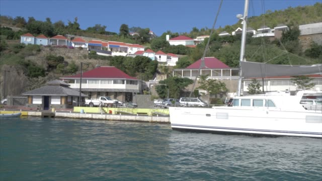 view leaving town from tender boat, gustavia, st. barthelemy (st. barts) (st. barth), west indies, caribbean, central america - french overseas territory stock videos & royalty-free footage