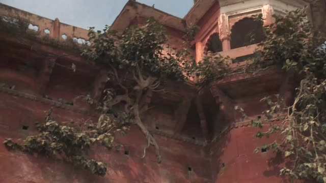 view looking up at the chet singh fort. - uttar pradesh stock videos and b-roll footage