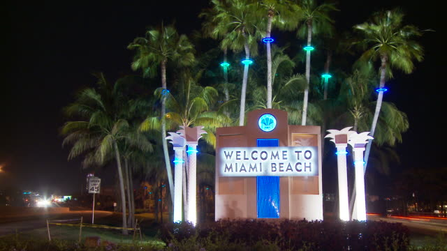 view miami beach usa - welcome sign stock videos & royalty-free footage