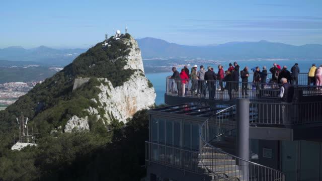 stockvideo's en b-roll-footage met view northwards to the top of the rock of gibraltar, gibraltar, uk - gibraltar iberisch schiereiland