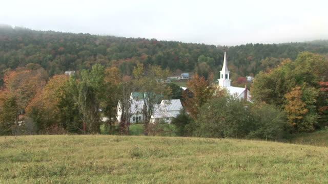 view of a church in vermont united states - tornspira bildbanksvideor och videomaterial från bakom kulisserna
