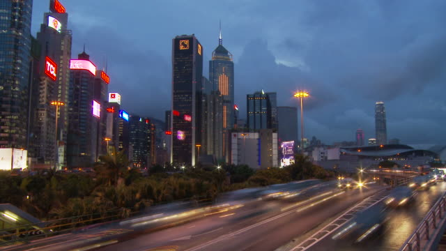 view of a city traffic hong knog, china - 少於10秒 個影片檔及 b 捲影像
