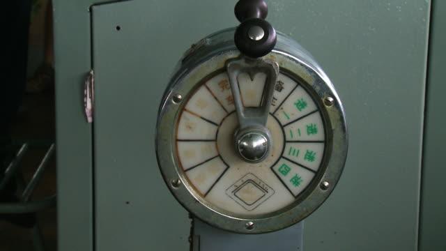 view of a ferry marine engine gauge,  malaysia - andamansjön bildbanksvideor och videomaterial från bakom kulisserna