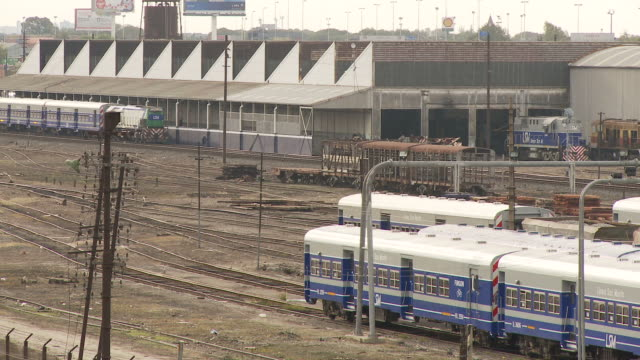 view of a railway station in buenos aires, argentina - アルゼンチン点の映像素材/bロール
