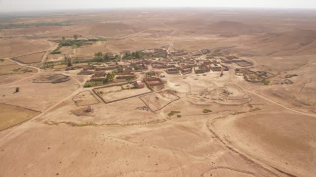 vídeos de stock, filmes e b-roll de view of a small villages and landscape in north morocco, africa - arcaico