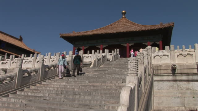 view of a staircase in the forbidden city in beijing china - 宗教施設点の映像素材/bロール