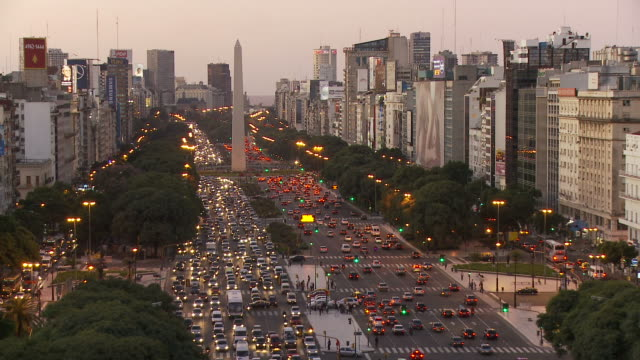 view of a town in buenos aires, argentina - obelisk stock-videos und b-roll-filmmaterial