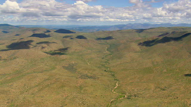 stockvideo's en b-roll-footage met ws aerial view of agua fria national monument / arizona, united states - agua