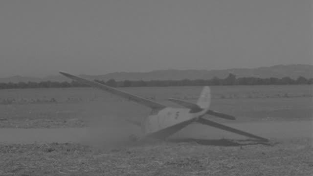 WS View of airplane crash while landing
