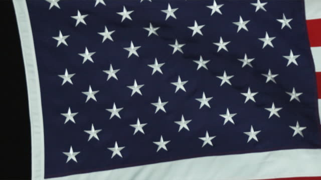 cu pan slo mo view of american flag / orem, utah, usa - orem video stock e b–roll