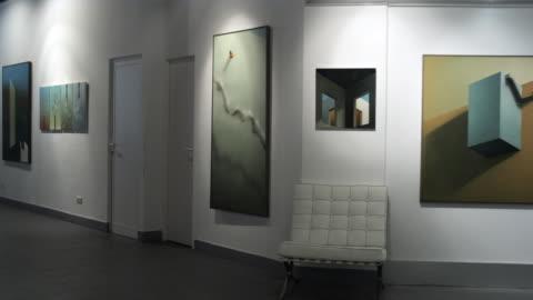 ms pan view of an art gallery / bilbao, vizcaya, spain. - museum stock videos & royalty-free footage