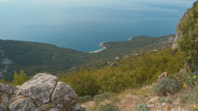 ws view of an idyllic beach on the island cres - mediterranean sea stock videos & royalty-free footage