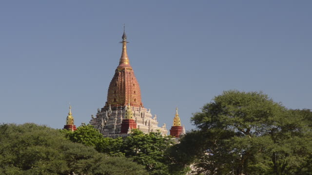 ws view of ananda pagoda with golden stupa / bagan, mandalay division, myanmar - stupa stock videos & royalty-free footage