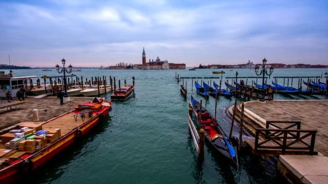 stockvideo's en b-roll-footage met view of anchoring gondola and harbor of venice - binnenschip