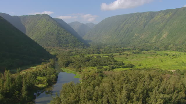WS AERIAL View of approaching to waipio valley from blue waters on big island / Hawaii, United States