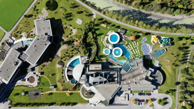 vidéos et rushes de view of aqua dome(spa pool) in tyrol(tirol), langenfeld, austria - établissement de cure