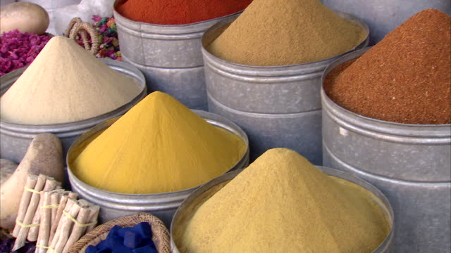 cu pan zi view of arabic spices in sale / marrakech, morocco - spice stock videos & royalty-free footage