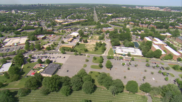 ws aerial view of arlington blvd / washington, dist. of columbia, united states - arlington virginia video stock e b–roll