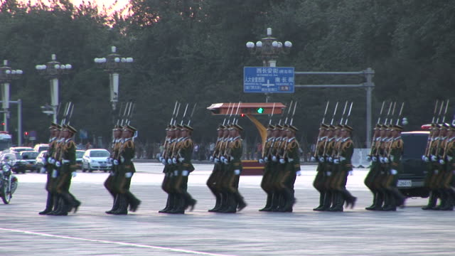 stockvideo's en b-roll-footage met view of army parade in tiananmen square in beijing china - army