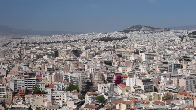 ws ha pan view of athens with mount lycabettus / greece - lycabettus hill stock videos & royalty-free footage