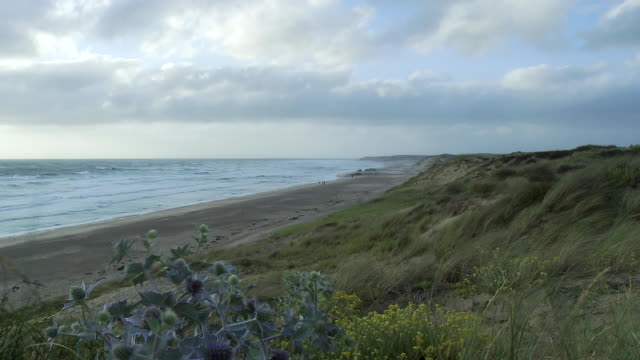 WS View of Atlantic coast on windy day / Soulac-sur-Mer, Aquitaine, France