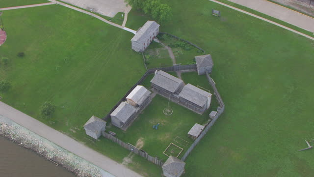 WS ZO AERIAL POV View of barracks in old Fort Madison city / Fort Madison, Iowa, United States