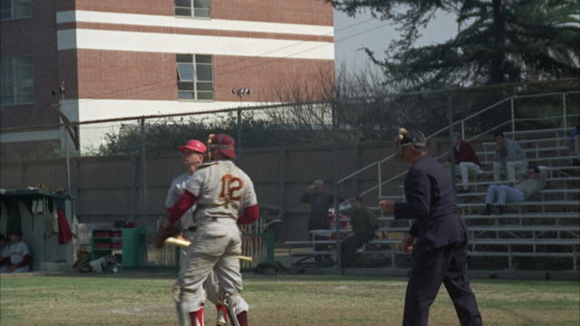 stockvideo's en b-roll-footage met ws pan view of baseball game on practice field of university of southern california campus / los angeles, usa - baseballpet