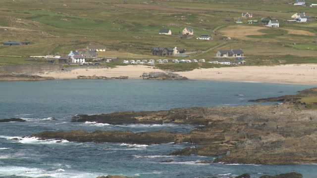 ws  view of beach  / allihies,  county cork, ireland - county cork stock videos & royalty-free footage