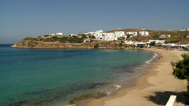 ws view of beach at tourlos bay / mykonos, cyclades, greece - mykonos stock videos and b-roll footage