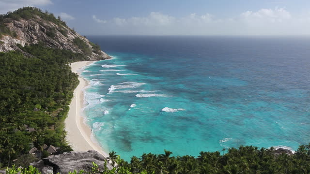 ws view of beautiful beach / north island, seychelles - indian ocean stock videos & royalty-free footage