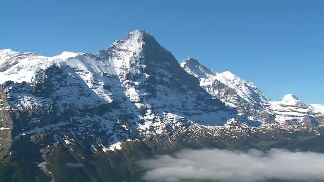 ws view of bernese alps with eiger and jungfrau / grindelwald, bernese oberland, switzerland - fast kamera bildbanksvideor och videomaterial från bakom kulisserna
