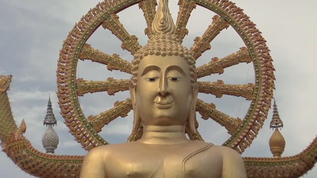 WS TD View of big Buddha at Wat Phra Yai / Koh Samui, Thailand